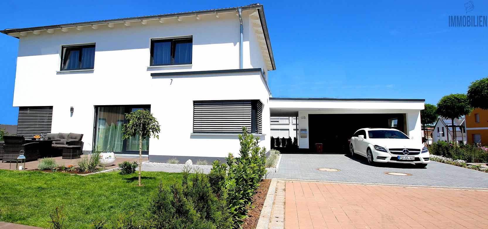 Neubau-Einfamilienhäuser
